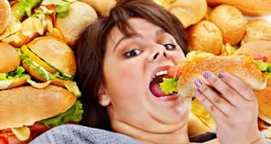 Почему люди чрезмерно едят?