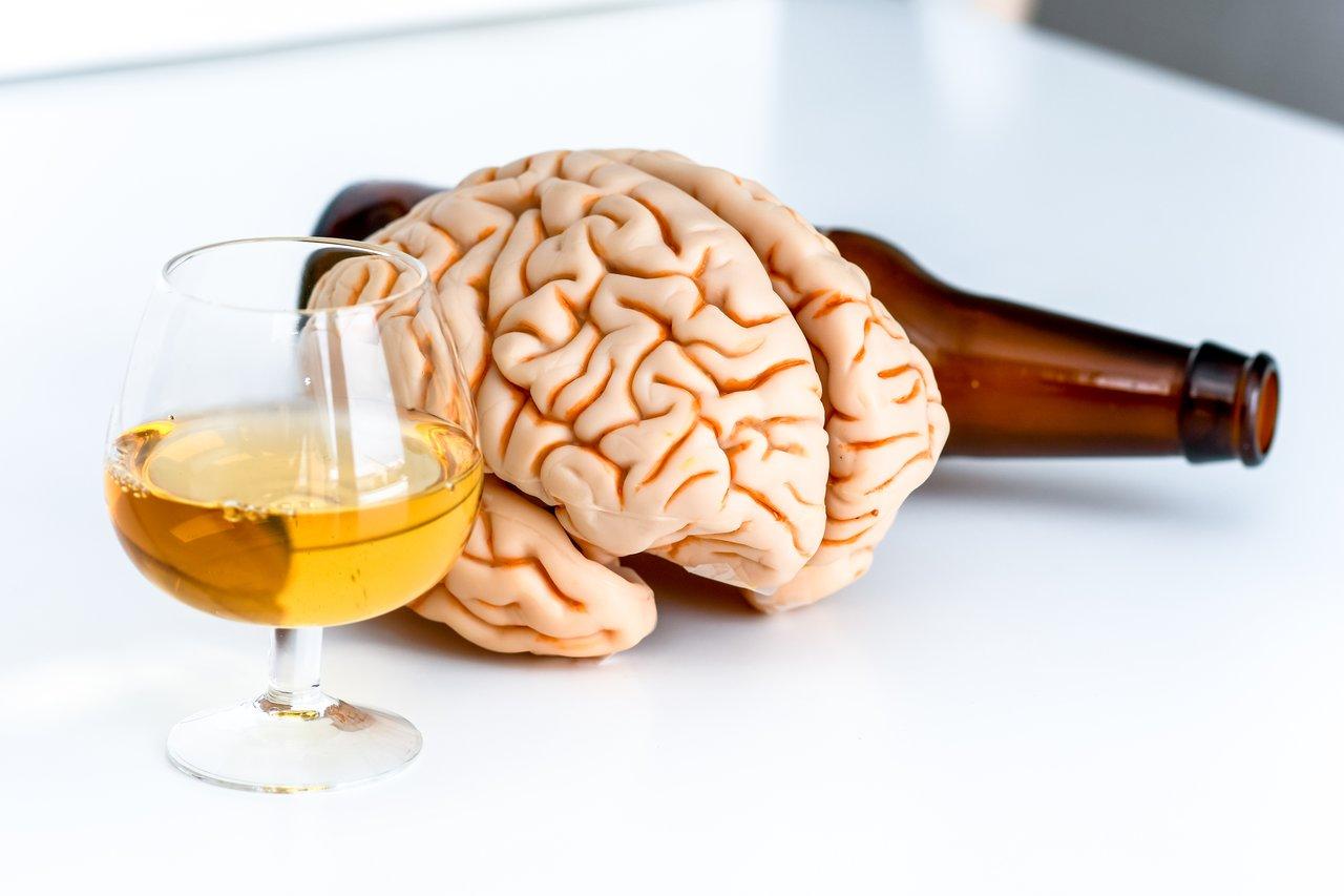 Спиртом по мозгам